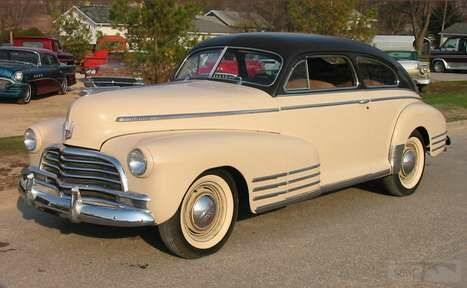 3642 - 1946 Chevrolet Fleetline Aerosedan