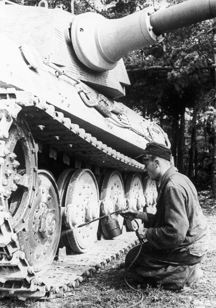 36467 - Achtung Panzer!