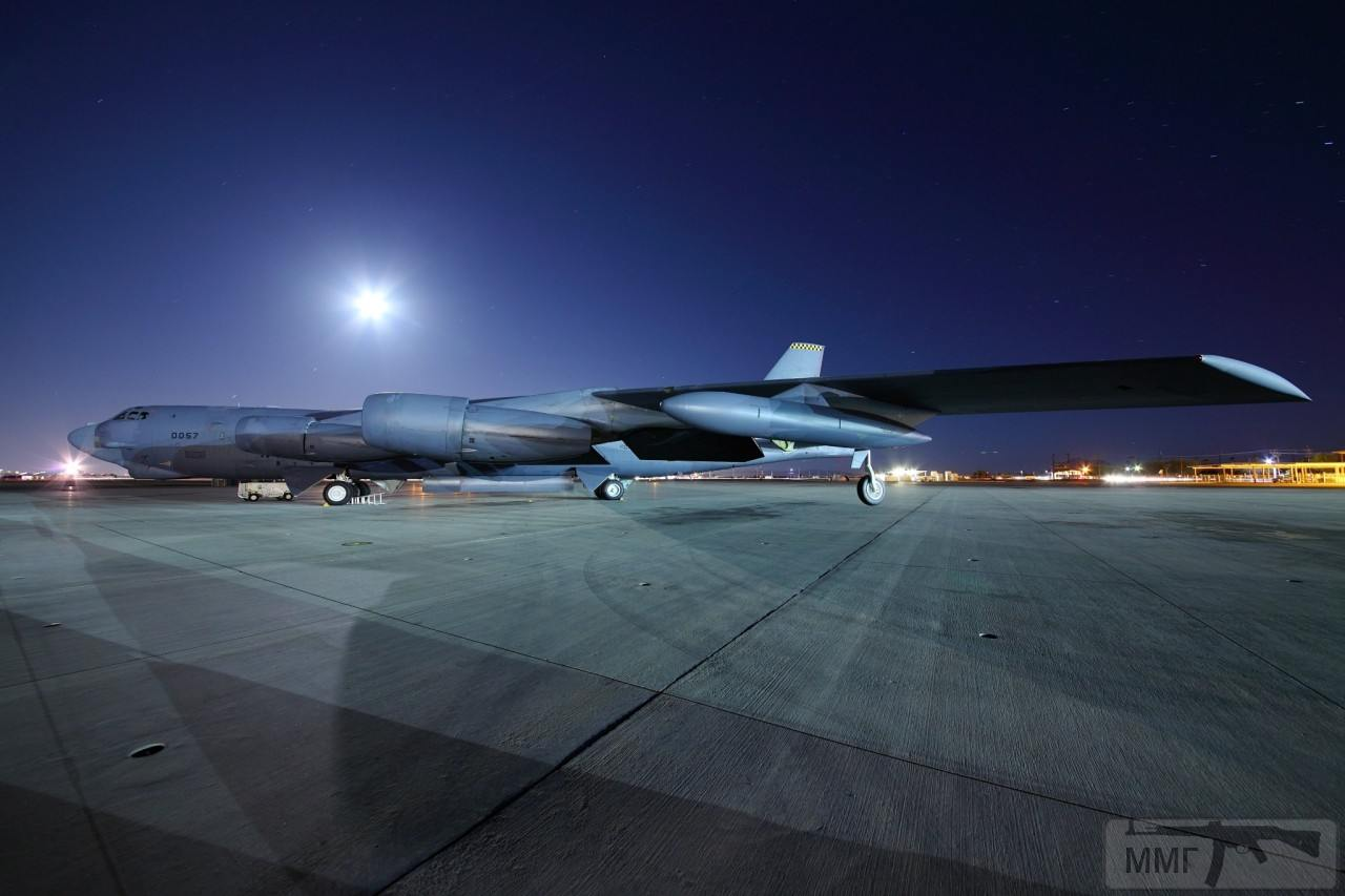 36688 - B-52 Stratofortress