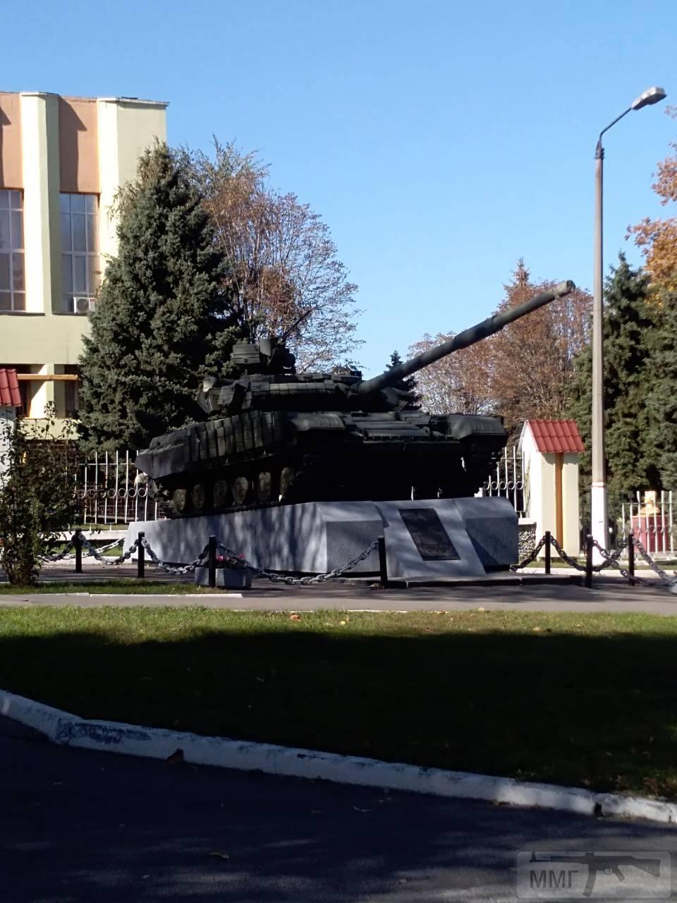 36926 - Танки-памятники в Украине