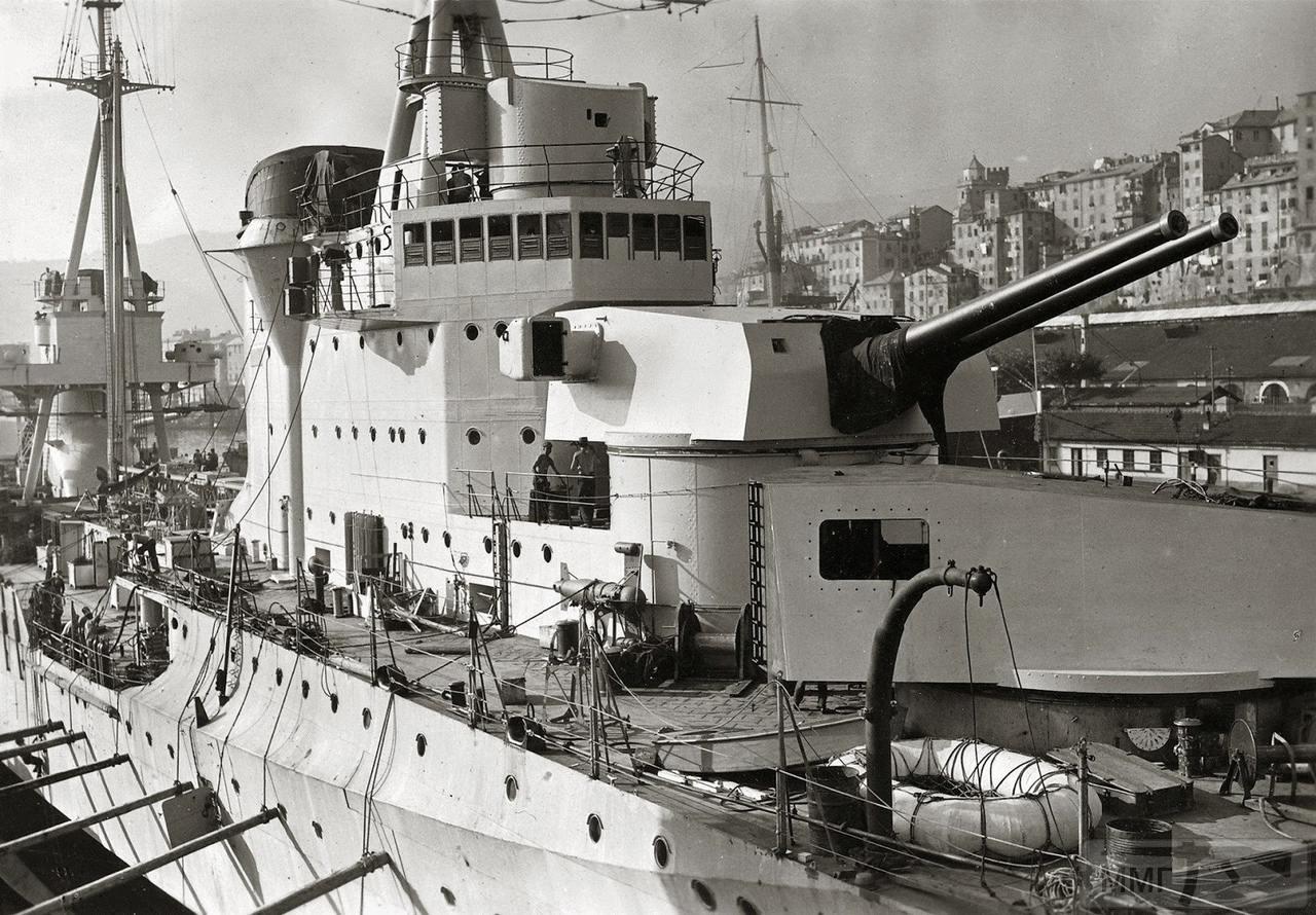 38798 - Тяжелый крейсер Bolzano в достройке на верфи Ansaldo, Генуя