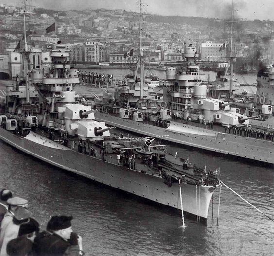 3999 - Italian 8in heavy cruisers Fiume, Pola and Zara