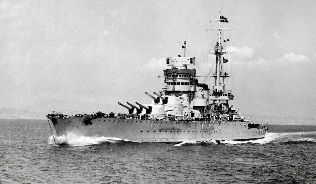 4010 - italian battleship Conte di Cavour