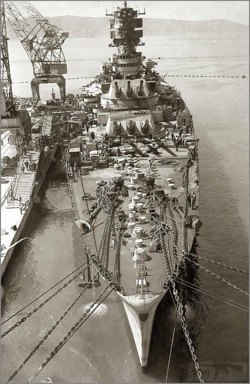 4012 - Docked Italian battleship Roma