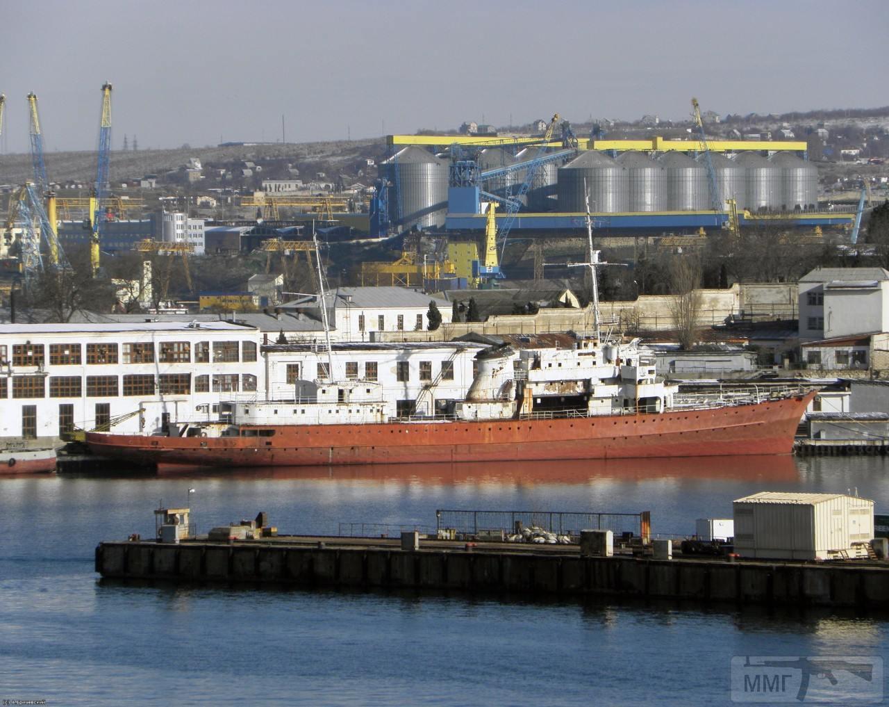 40200 - Яхта Деница
