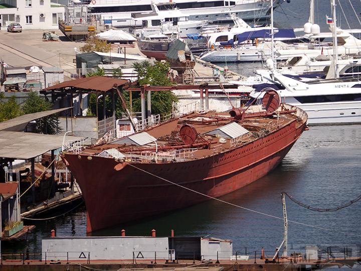 40201 - Яхта Деница