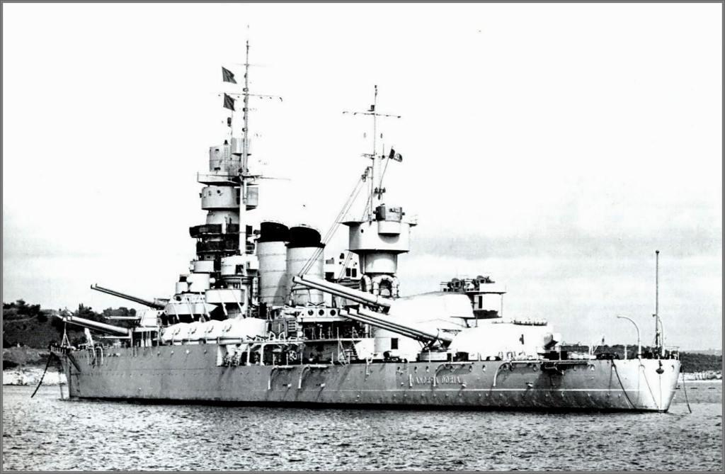4036 - Italian battleship Andrea Doria in Pola, summer 1940