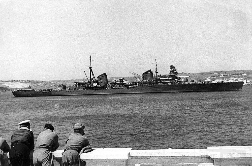 4076 - Советский легкий крейсер проекта 26-бис Молотов, 1939-1972