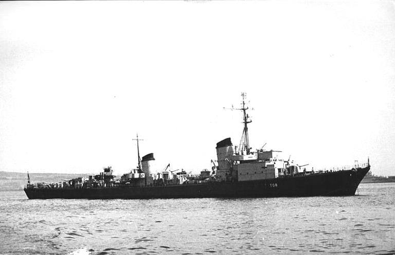 4099 - ex-German destroyer T28 in 1949