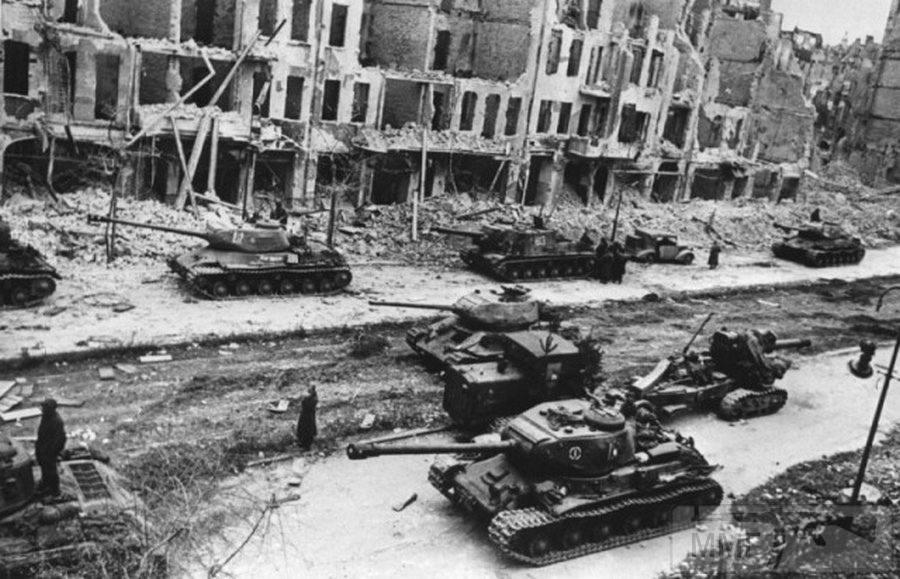 41603 - Русский герой обороны Берлина