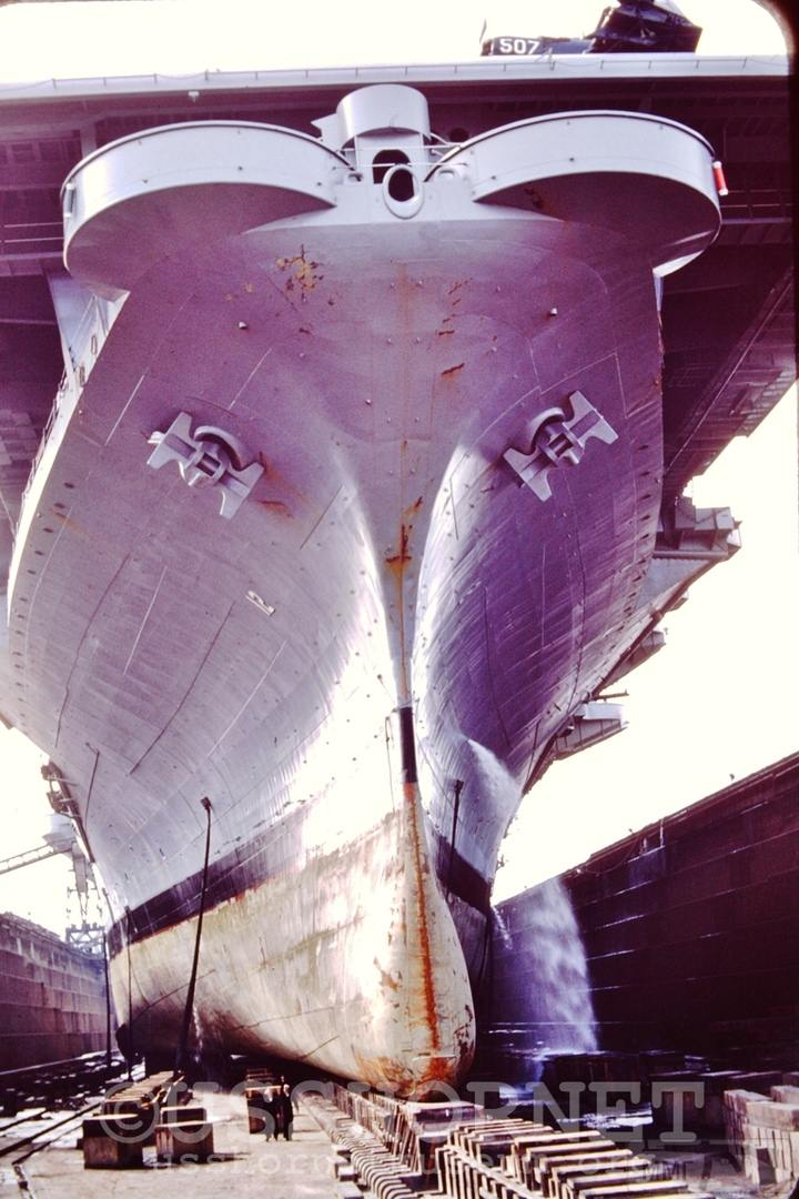 41790 - USS Hornet (CV-12)