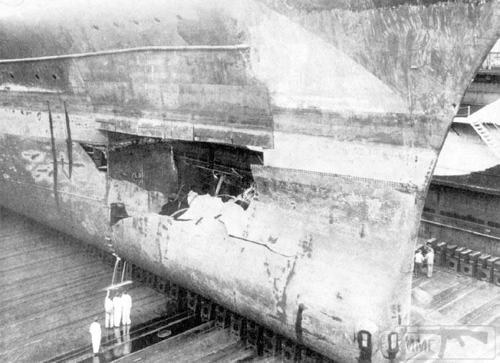 42220 - Линкор Gneisenau в доке после операции Juno