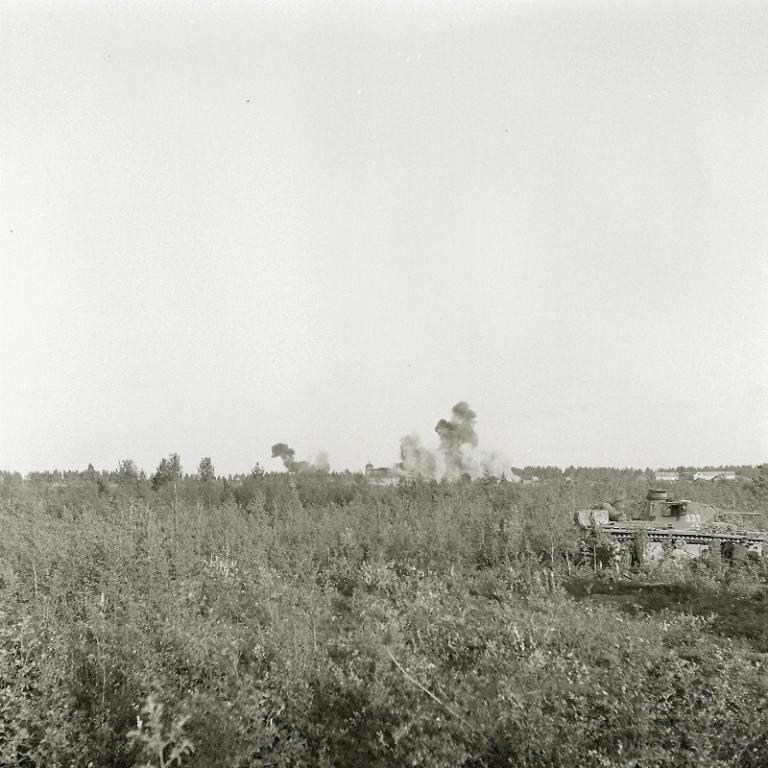 4262 - Налёт авиации РККА на расположившиеся в деревне Вокнаволок немецко-финские части