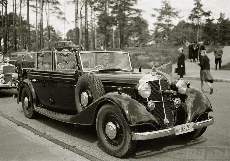 4276 - Оберквартирмейстер Генерального штаба вермахта В. Эрфурт (слева) с адьютантом, прибывший в Хельсинки как представитель Германии при ставке финской армии, 13.06.1941 г.