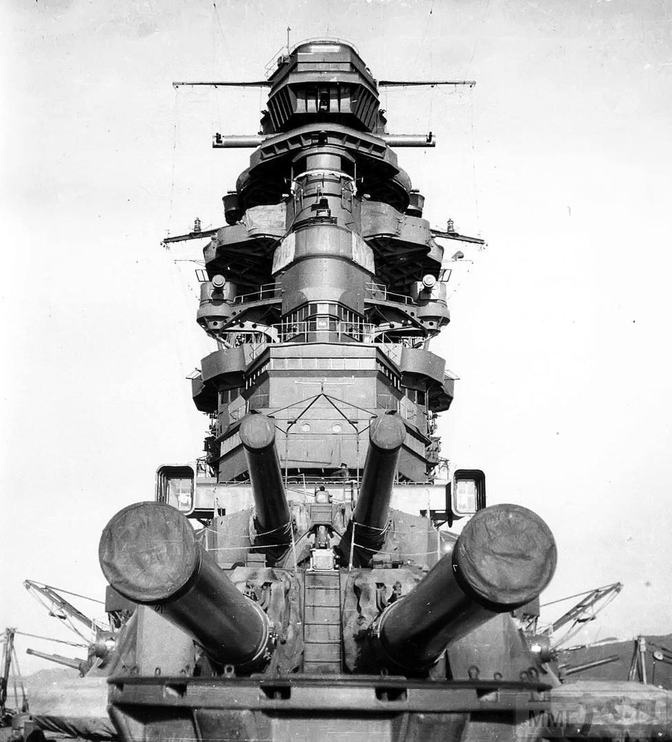 43488 - Линкор IJN Nagato в Куре, 1942 г.