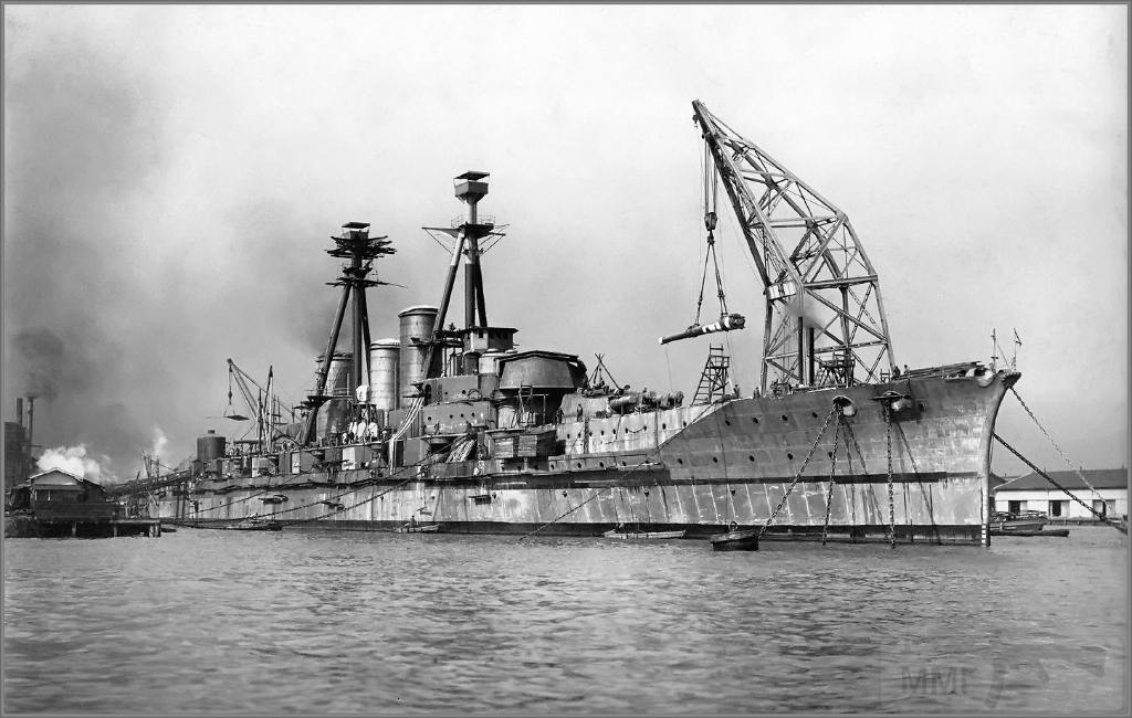 4379 - Imperial Japanese Navy battlecruiser Haruna under construction