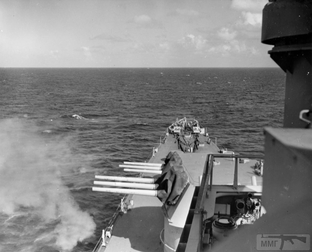 43855 - USS Portsmouth (CL-102)