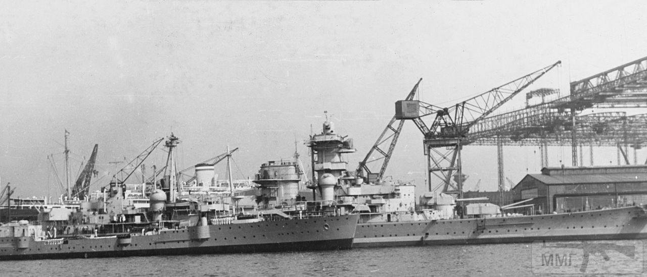44955 - Тяжелый крейсер Admiral Hipper в достройке на верфи Blohm & Voss, лето 1939 г.