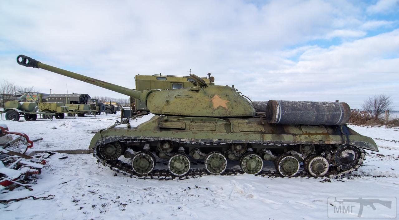45064 - Танки-памятники в Украине