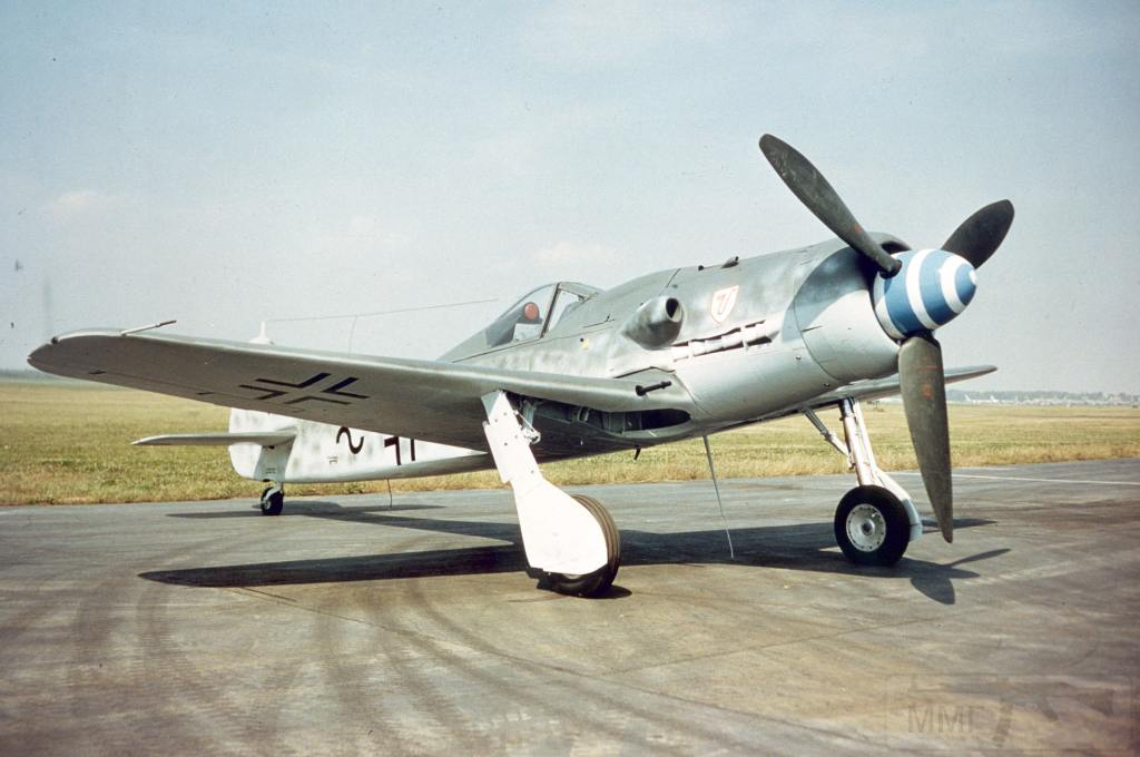 4525 - За основу Focke-Wulf Ta 152 был взят массовый Focke-Wulf FW-190 «Würger»