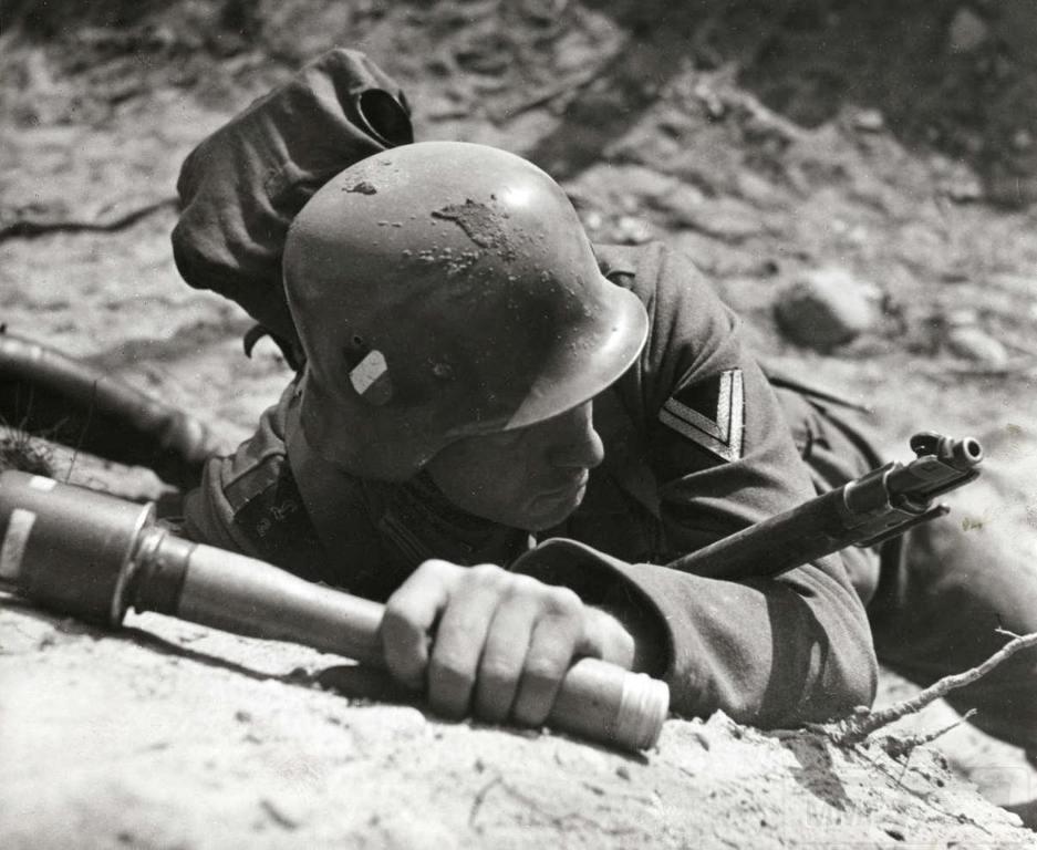 4558 - Гранаты Германской армии WW2