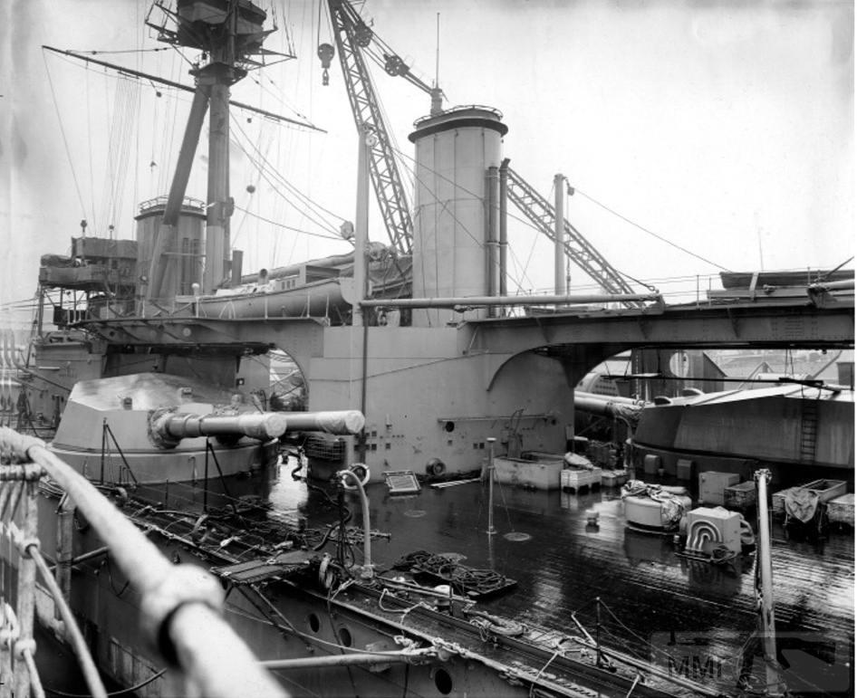 45961 - HMS Colossus в достройке