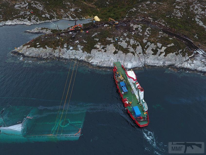45974 - Работы на затонувшем фрегате Helge Ingstad