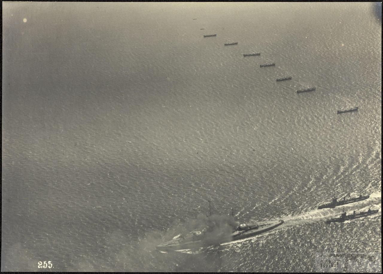 46375 - Германская флотилия идет к Гельголанду, 18 августа 1917 г. Головным новейший дредноут SMS Baden