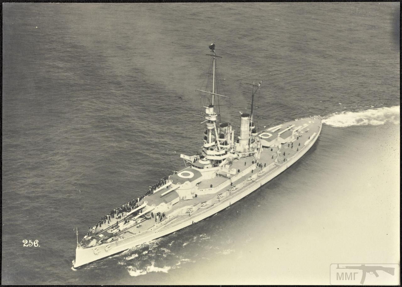 46376 - Германская флотилия идет к Гельголанду, 18 августа 1917 г. Головным новейший дредноут SMS Baden