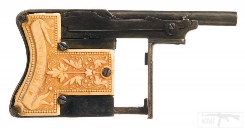4708 - Французский пистолет-эспандер «Чудесный» (Squeeze Palm Pistol Le Merveilleux)
