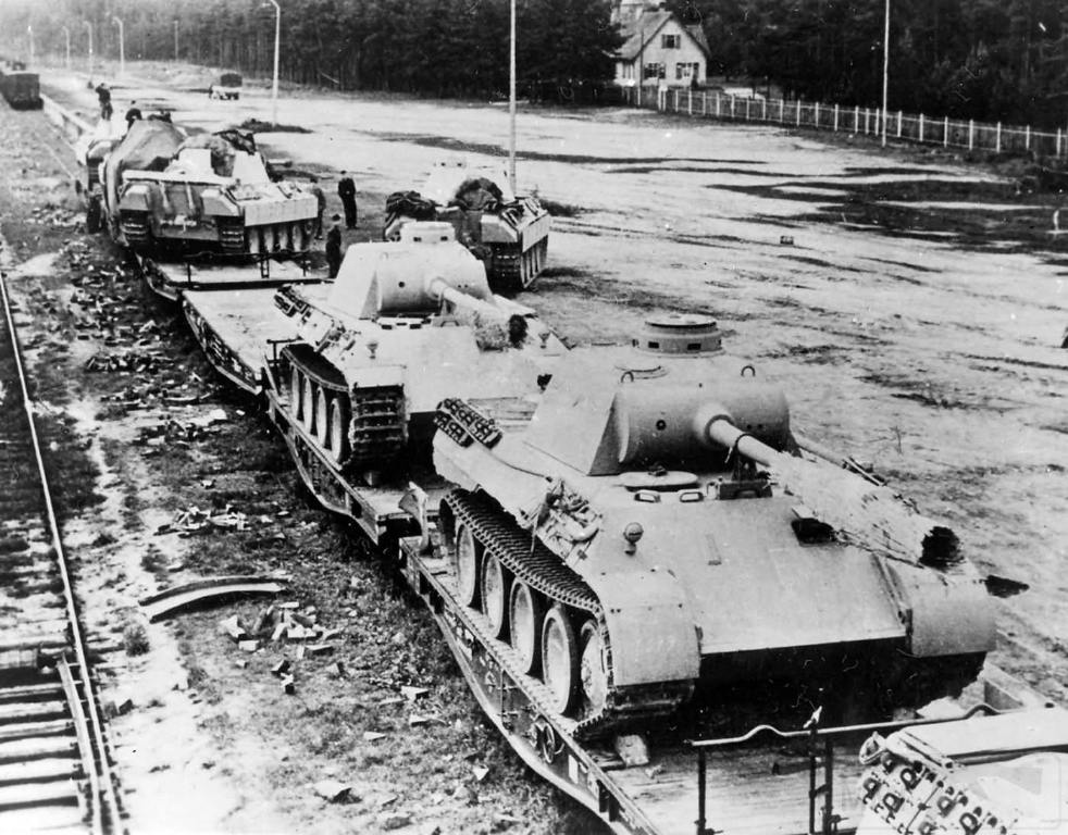 4836 - Achtung Panzer!