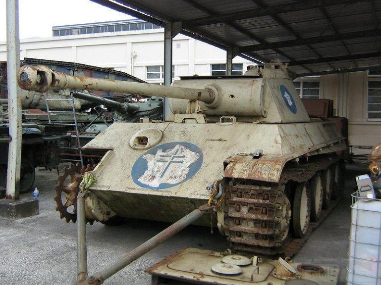 """4853 - Служба немецких """"коробочек"""" после войны..."""
