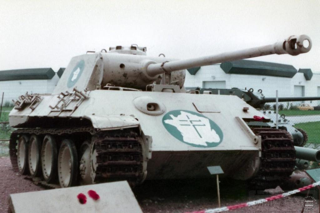 """4864 - Служба немецких """"коробочек"""" после войны..."""
