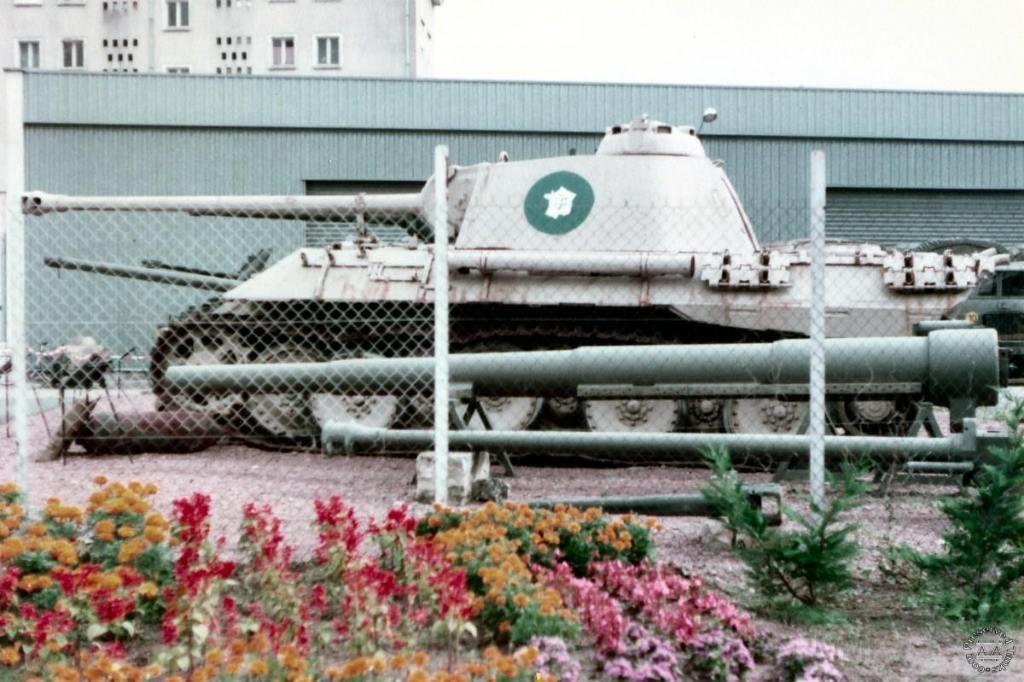 """4865 - Служба немецких """"коробочек"""" после войны..."""