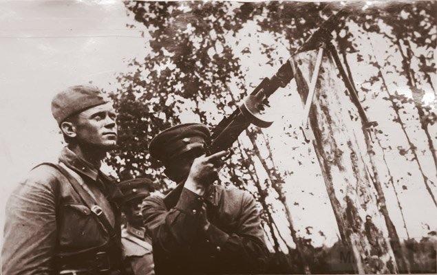 4884 - Пулемет Блюма.