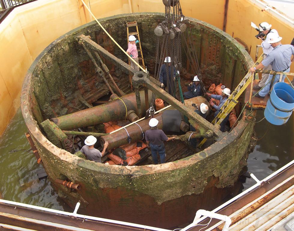 4891 - Орудия в поднятой из моря башне