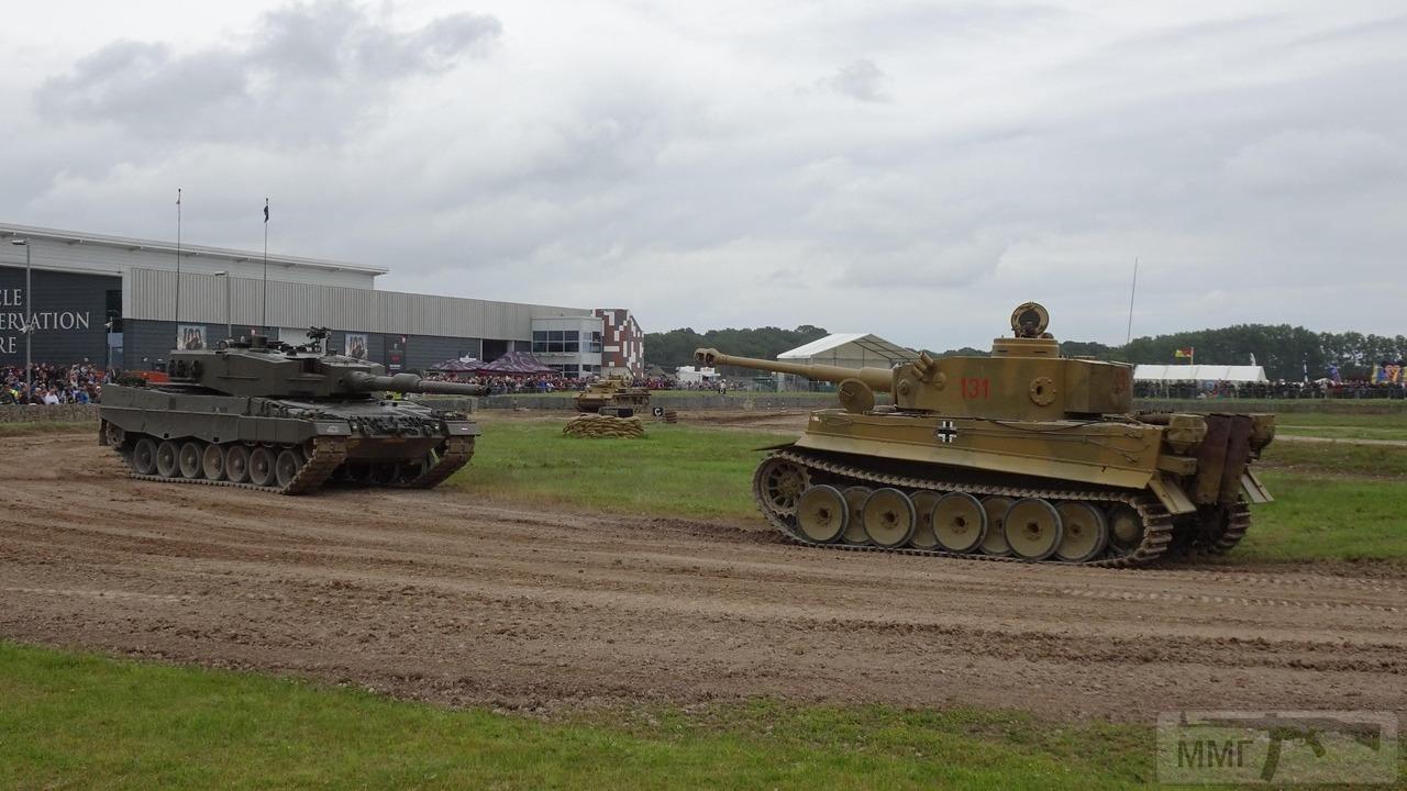 49254 - Achtung Panzer!
