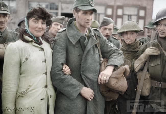 49444 - пленный немецкий солдат и его жена