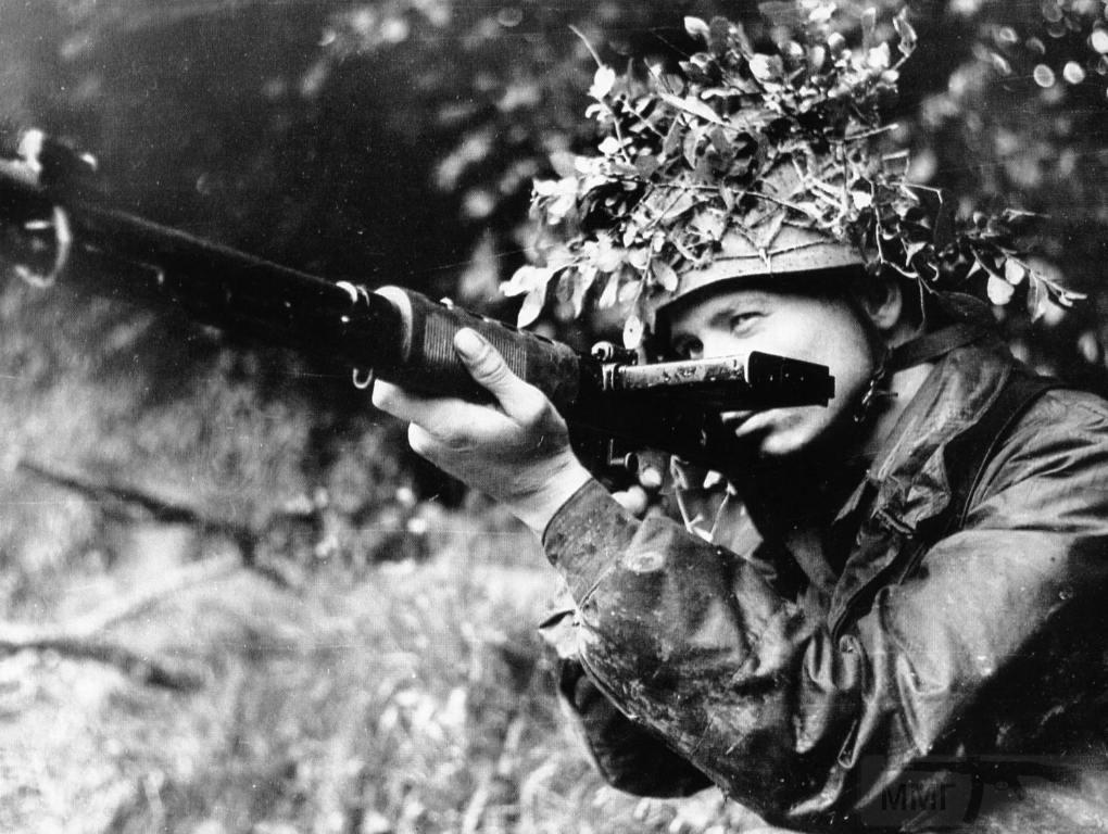 4958 - Fallschirmjägergewehr 42