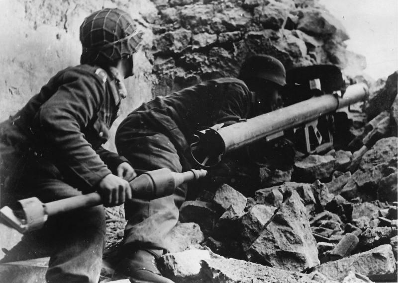 4960 - Реактивный противотанковый гранатомет RPzB.43 Ofenrohr Офенрор / RPzB.54 Panzerschreck Панцершрек