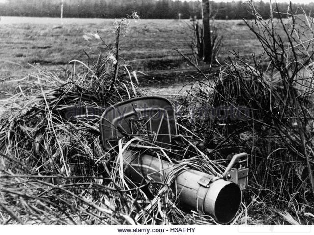 4961 - Реактивный противотанковый гранатомет RPzB.43 Ofenrohr Офенрор / RPzB.54 Panzerschreck Панцершрек