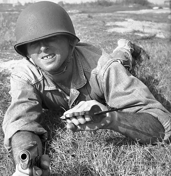 50186 - Боевые ножи ближнего боя.