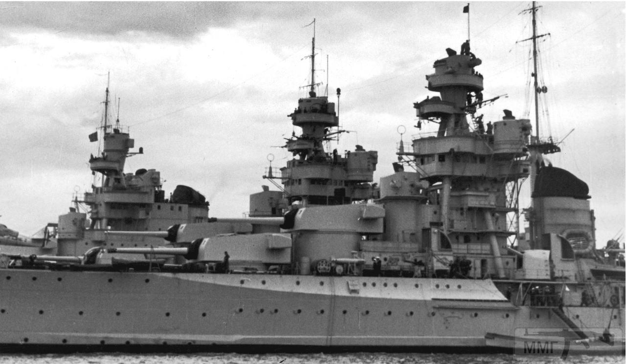 50322 - Тяжелые крейсера Zara, Fuime и Pola в Генуе, май 1938 г.