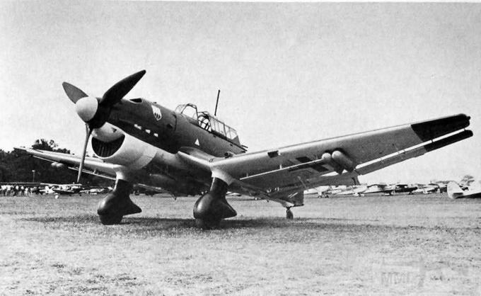 5292 - Семидесятитрехлетний Луи Ф. Лангхёрст потратил в общей сложности 9 лет для того чтобы изготовить реплику Ju 87 B2 в масштабе 7/10