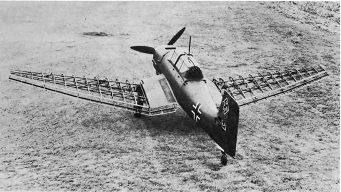 5294 - Самолет во время первой выкатки из мастерской. На снимке хорошо заметна конструкция консолей крыла