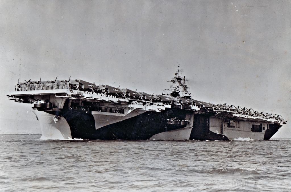 5381 - Два авианосца
