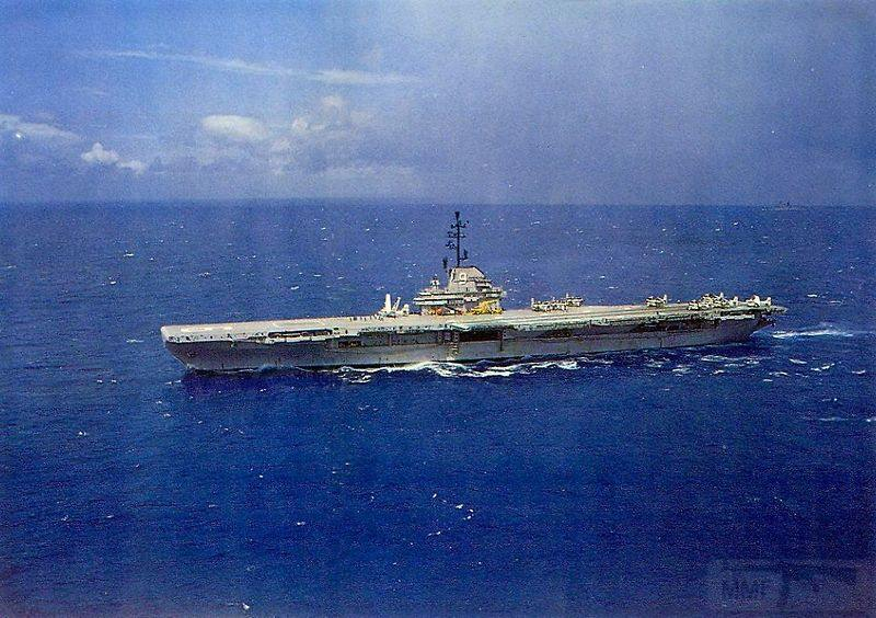 5382 - USS Essex (CV-9)