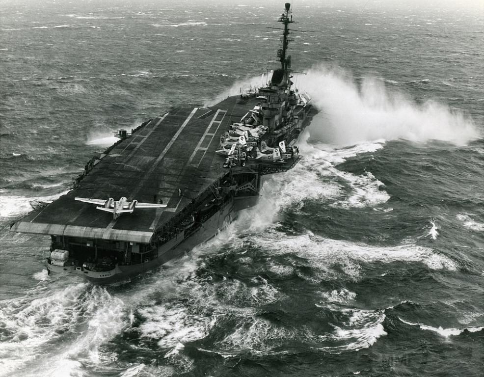 5383 - USS Essex (CV-9)