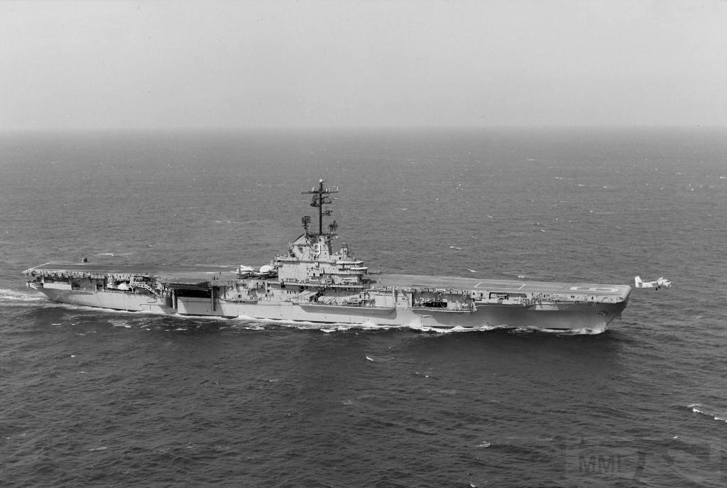 5384 - USS Essex (CV-9)