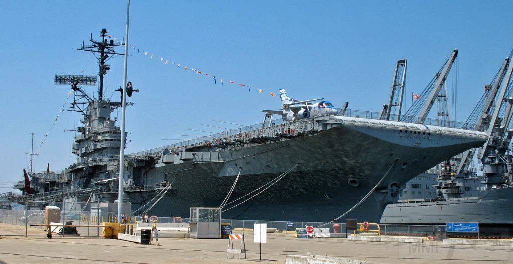 5386 - USS Hornet (CV-12) museum